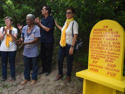 Clausura de las fosas clandestinas de Colinas de Santa Fe en Veracruz, el año pasado.