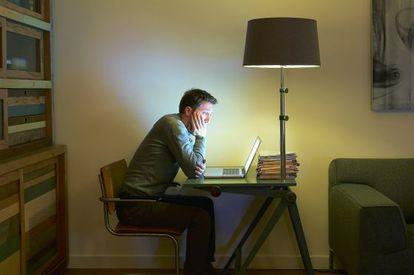El estudiante del siglo XXI puede 'asistir' a clase sin moverse de casa.