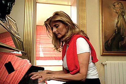 Isabel Tocino, fotografiada ayer en su domicilio de Madrid.