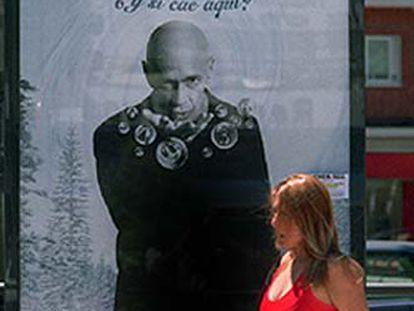 Un cartel con Arrindell anuncia la lotería.