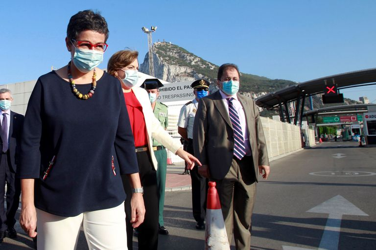 The Minister of Foreign Affairs, Arancha González Laya, at the Gibraltar border crossing last July.