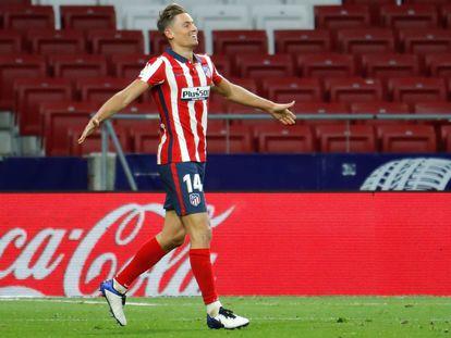 Marcos Llorente celebra su gol ante el Valladolid este sábado en el Wanda Metropolitano.