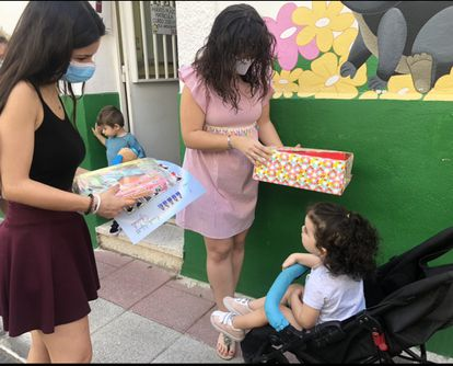 El día de la recogida de diplomas en la escuela infantil Guireli, en Torrejón de Ardoz.