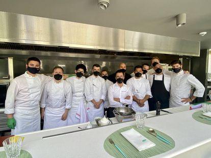 Brigada de cocina en la terraza del Ritz. J.C. CAPEL