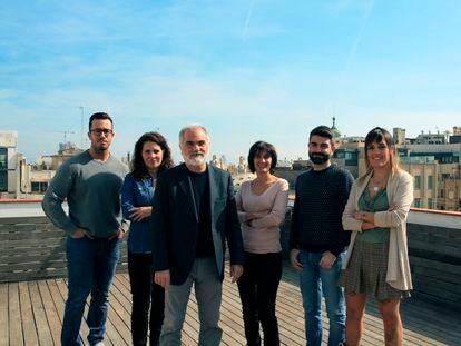 Jordi Griful,  cofundador y consejero delegado de Quantion, con parte del equipo en su oficina de Barcelona.