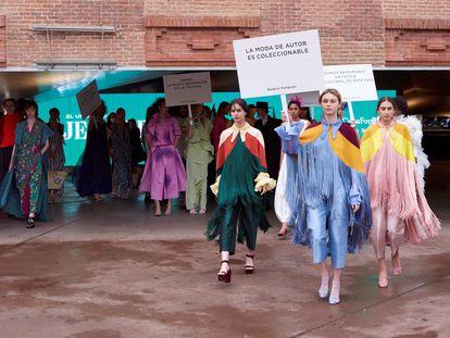 Varias modelos en CaixaFórum, Madrid, en la primera jornada de Madrid Es Moda.