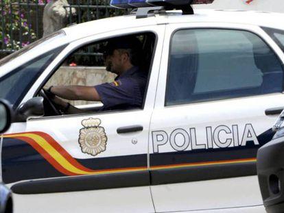 Un coche del Cuerpo Nacional de Policía, en una imagen de archivo.
