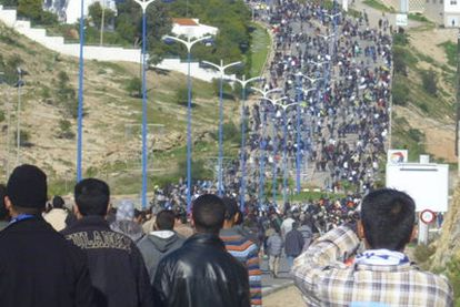 Manifestación que ayer recorrió las calles de Alhucemas