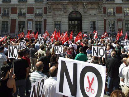 Protesta de empleados públicos en Sol en 2012.