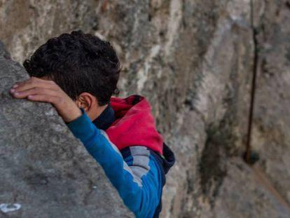 Los menores extranjeros no acompañados son excluidos por la Administración española.