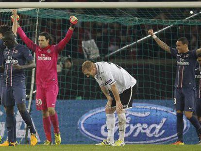 Los jugadores del PSG celebran su victoria.