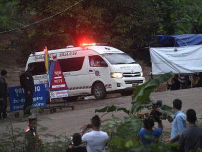 Un total de ocho niños han sido sacados con vida de la cueva de Tham Luang, donde aún permanecen cuatro menores y su monitor