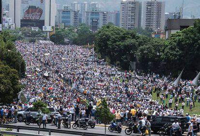 Miles de venezolanos protestaron este miércoles en contra del Gobierno de Nicolás Maduro.