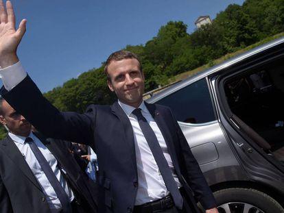 Emmanuel Macron en Suresnes, este domingo.