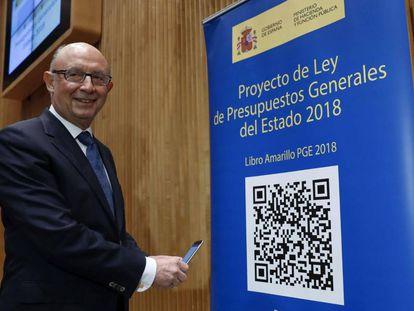 El ministro de Hacienda, Cristóbal Montoro, durante la presentación en el Congreso de los Diputados del proyecto de Presupuestos Generales del Estado para 2018.