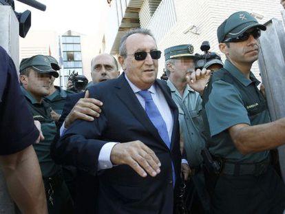 Carlos Fabra a la salida de una declaración en enero de 2020.