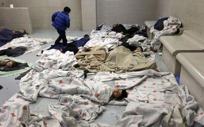 Menores no acompañados interceptados en la frontera con EE UU en junio