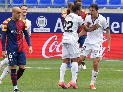 Enes Unal, tras marcar su segundo gol en el estadio El Alcoraz en Huesca, este domingo.