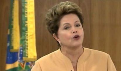 Dilma Roussef dirigiéndose a la nación