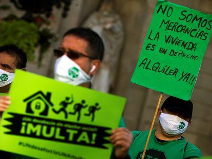 Manifestación de la Plataforma de Afectados por la Hipoteca en la plaza Sant Jaume de Barcelona, el pasado mes de noviembre.