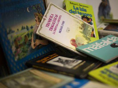 Títulos y colecciones que revolucionaron la literatura infantil en los setenta y ochenta en España.