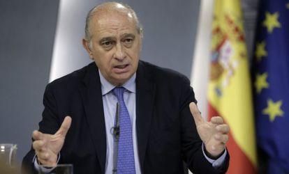 El ministro del Interior Jorge Fernández Díaz durante la rueda de prensa ofrecida el pasado 24 de julio.
