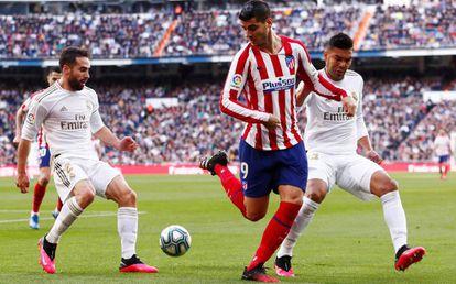 Casemiro y Carvajal marcan a Morata.