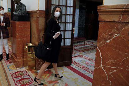 La portavoz de Ciudadanos, Inés Arrimadas, a su llegada al pleno del Congreso el pasado 6 de mayo.