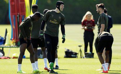 Petr Cech, durante un entrenamiento del Arsenal.