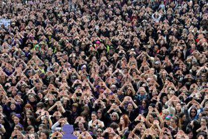 Cientos de mujeres se concentran en Bilbao en el Día de la Mujer, el pasado 8 de marzo.