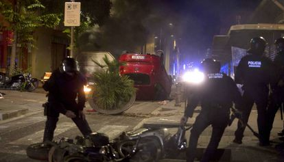 Imagen de los destrozos en el barrio de Gràcia.