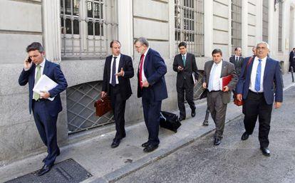 Los rectores abandonan el Consejo de Universidades tras plantar al ministro José Ignacio Wert.