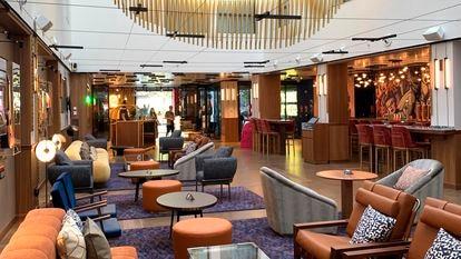 Vestíbulo del hotel Hard Rock en Madrid.