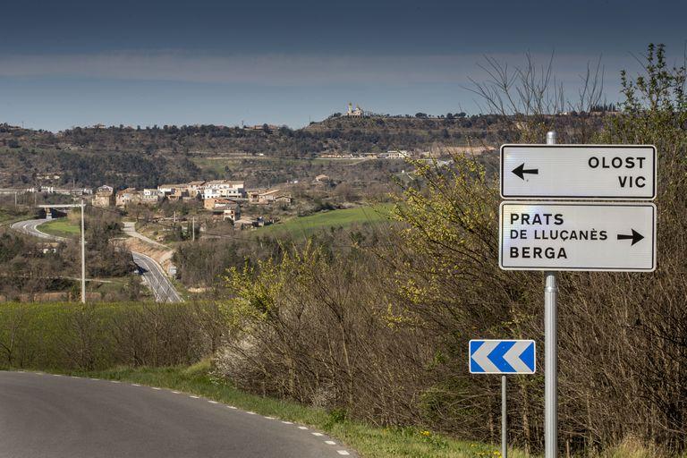 Un cruce de carreteras, a cuatro quilómetros de Perafita, en el Lluçanès.