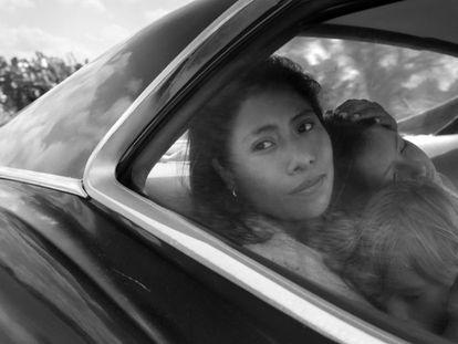 Yalitza Aparicio en su papel de Cleo, una empleada doméstica, en la película Roma.