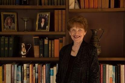 La escritora austriaca Riane Eisler, autora del libro 'El cáliz y la espada'.