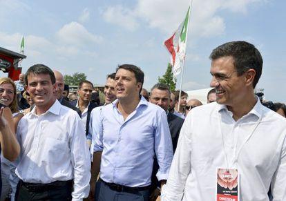 Manuel Valls, Matteo Renzi y Pedro Sánchez, en Bolonia.