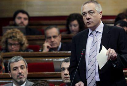 El primer secretario del PSC, Pere Navarro, durante su intervención en el Parlament, donde ha anunciado que su grupo quiere que el presidente de la General.