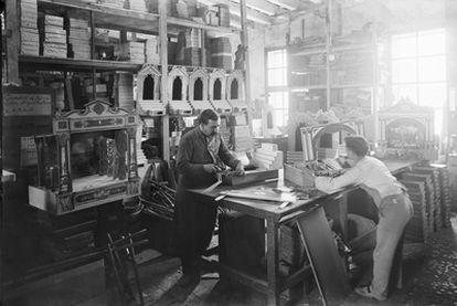 Una fábrica de juguetes en la Barcelona de principios del siglo pasado.