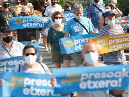 Una manifestación ha recorrido San Sebastián este sábado en demanda del acercamiento de los presos de ETA.
