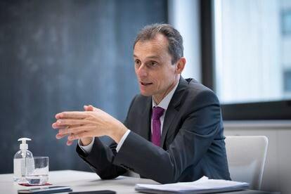 El ministro de Ciencia e Innovación, Pedro Duque, durante la entrevista