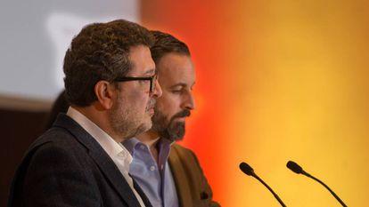 Rueda de prensa en Sevilla del presidente de Vox, Santiago Abascal, y el candidato a la presidencia de la Junta, Francisco Serrano.