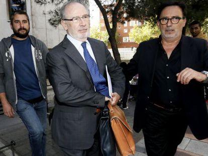 Rodrigo Rato a su salida de los Juzgados de Plaza Castilla, en octubre.