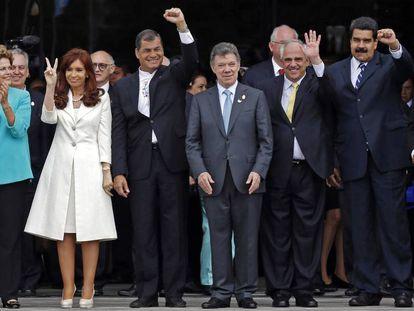 Los expresidentes de Brasil, Argentina y Ecuador junto a los presidentes de Colombia, Venezuela y Bolivia, reunidos en Quito (Ecuador) en un acto de la UNASUR, el pasado diciembre de 2014.