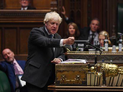 Boris Johnson responde durante la sesión de control al Gobierno en la Cámara de los Comunes, el 16 de septiembre de 2020.