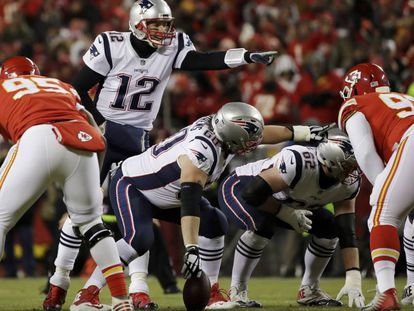 Tom Brady, de los New England Patriotsdurante un partido de la NFL ante Kansas City Chiefs el pasado 20 de enero.