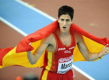 Luis Alberto Marco celebra la plata en 800m.