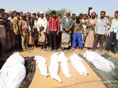 El bombardeo de un funeral en Saná es un golpe bajo a la mediación internacional