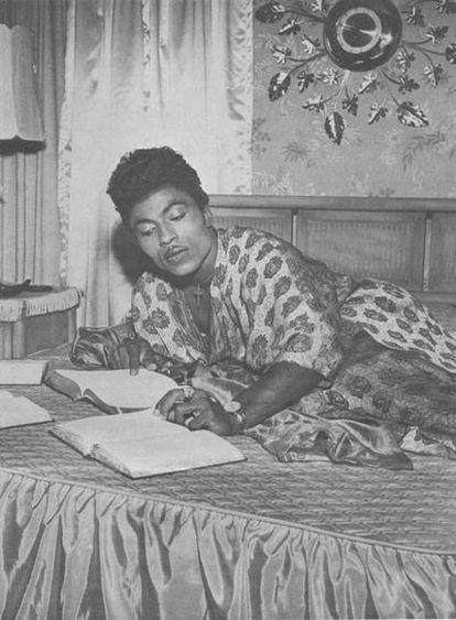 Fue una figura fascinante en los cincuenta con sus trajes de lentejuelas y su peinado.