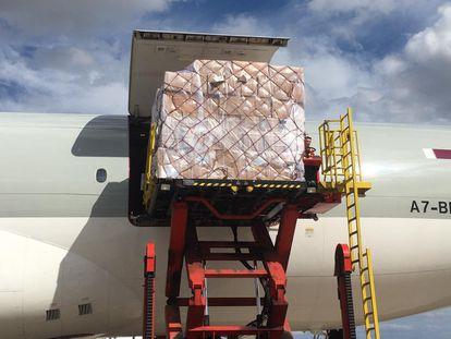 Llegada del segundo avión que la Comunidad de Madrid ha fletado desde China con material de protección contra el coronavirus.